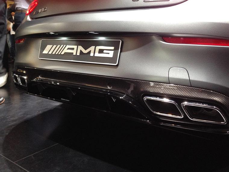 Mercedes Coupe als C63 AMG von hinten